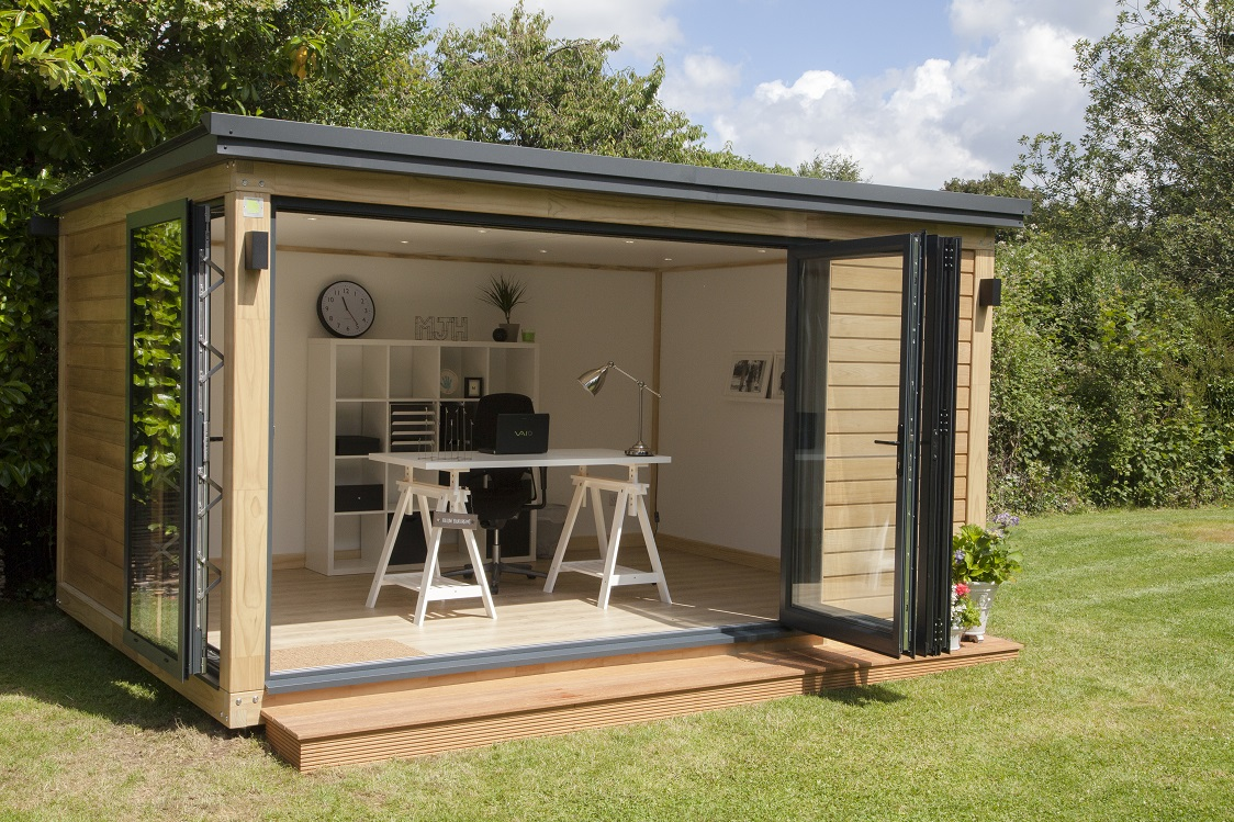 Creating a garden office la blog beaut for Flat pack garden decking
