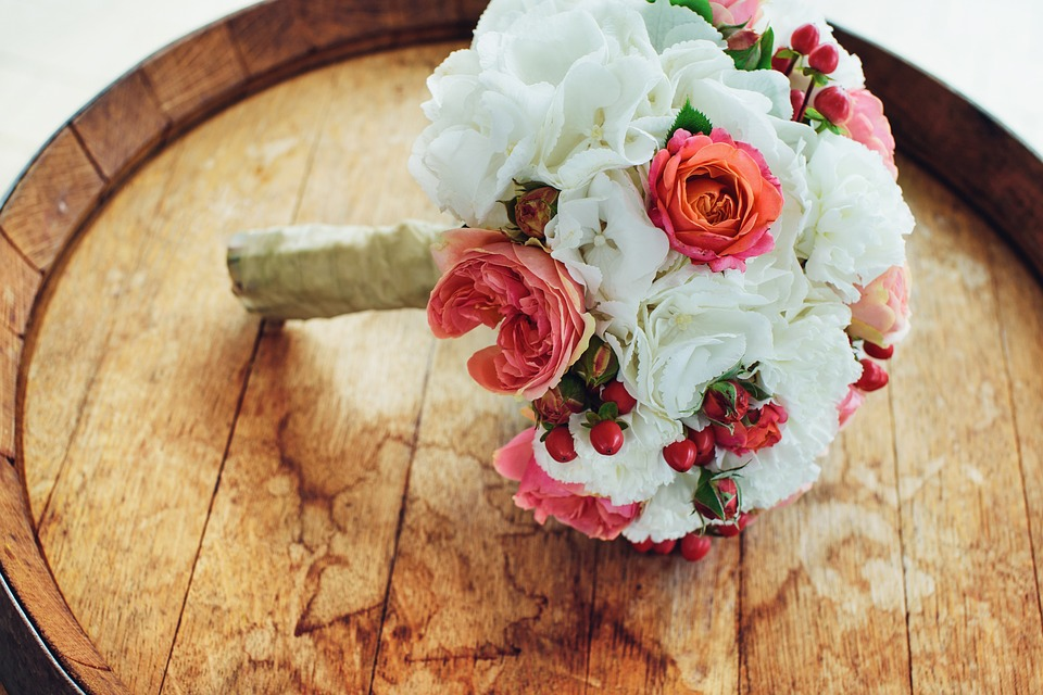 How The Internet Can Cut The Cost Of Your Big Day