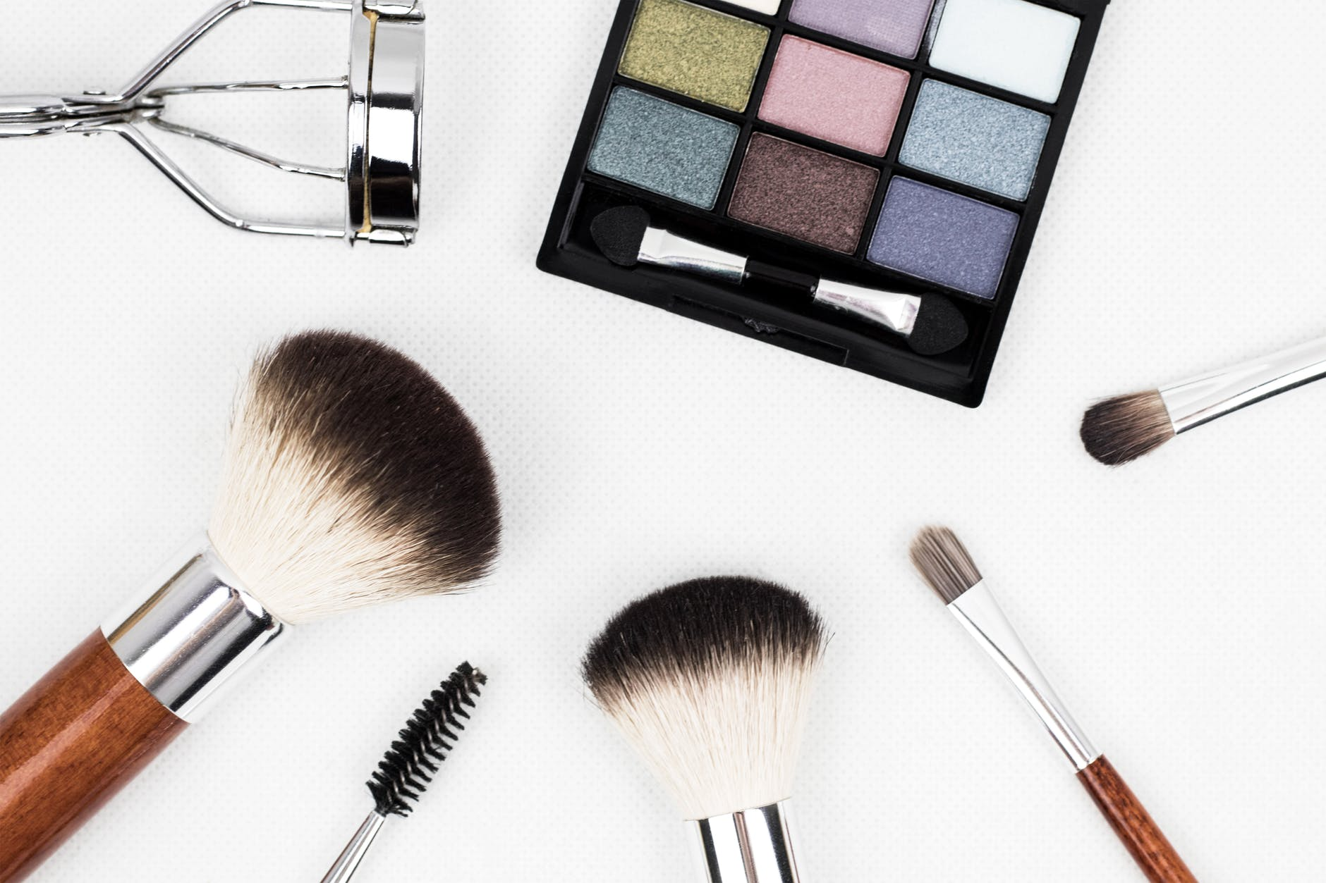 Should You Take Up A Beauty Apprenticeship Or A Beauty Course?